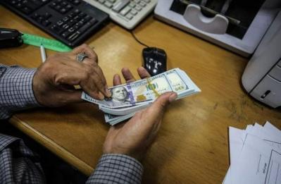 الوطن اليوم توزع مساعدات مالية بقيمة (100) دولار مقدمة من منظمة الرحمة العربية
