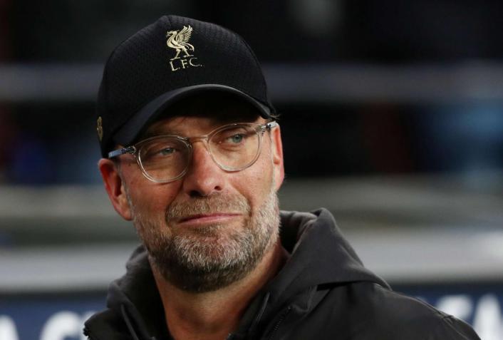 مدرب ليفربول يطالب فريقه بالتعاقد مع نجم برشلونة