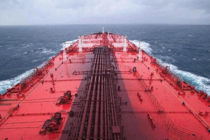 النفط اليمني.. مرتزقة العدوان ينهبون 47 مليوناً و500 ألف برميل نفط خلال عامي 2018 و2019م وتذهب عائداتها إلى البنوك السعودية