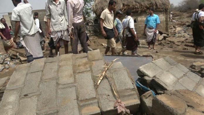 جراء السيول.. وفاة 13 مواطنا في الزهرة والقناوص واللحية بالحديدة