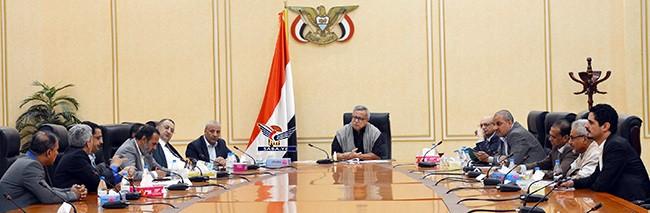 اجتماع حكومي يناقش الوضع الاستثماري وقضايا التخطيط الاستراتيجي