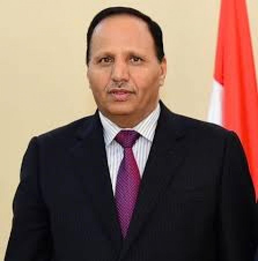 مستشار بـحكومة المرتزقة يهاجم حكومته ويؤكد أن الحوثي يمني ويدعو للحوار مع حكومة صنعاء