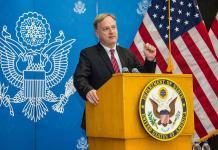 السفير الأمريكي يصل فجأة إلى محافظة المهرة