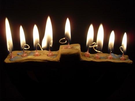 יהדות שמעל השכל: חג חנוכה במשנתו של הרבי מליובאוויטש