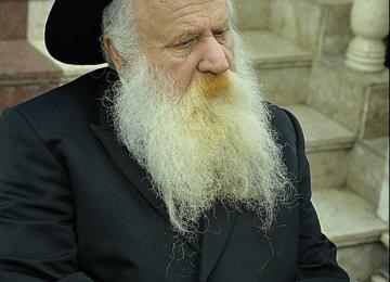 """מהם 7 המאפיינים שהפכו את הרב אשכנזי ז""""ל לרב הכי דומיננטי בחב""""ד במפנה המאה ה-20?"""