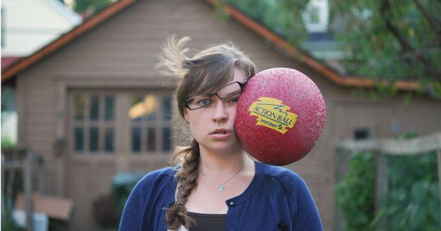 تسديد الكرة بالرأس قد يتسبب بأضرار في الدماغ على المدى البعيد