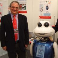 salchis_y_maggie-robot-ayuda-alzheimer