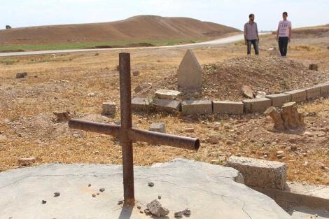 cementerio-cristiano-y-musulman-raqqa-javier-espinosa-fotografia