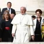 """El Papa Francisco denuncia la """"eutanasia escondida"""" que practican las residencias"""