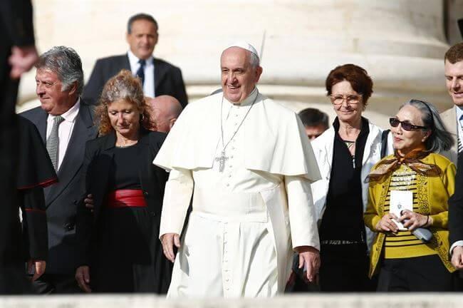 """El Papa denuncia la """"eutanasia escondida"""" que practican las residencias - Foto EUROPA PRESS"""