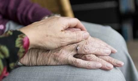 Dedicado a ti Cuidador Familiar. Poema de Gloria Martin Diez