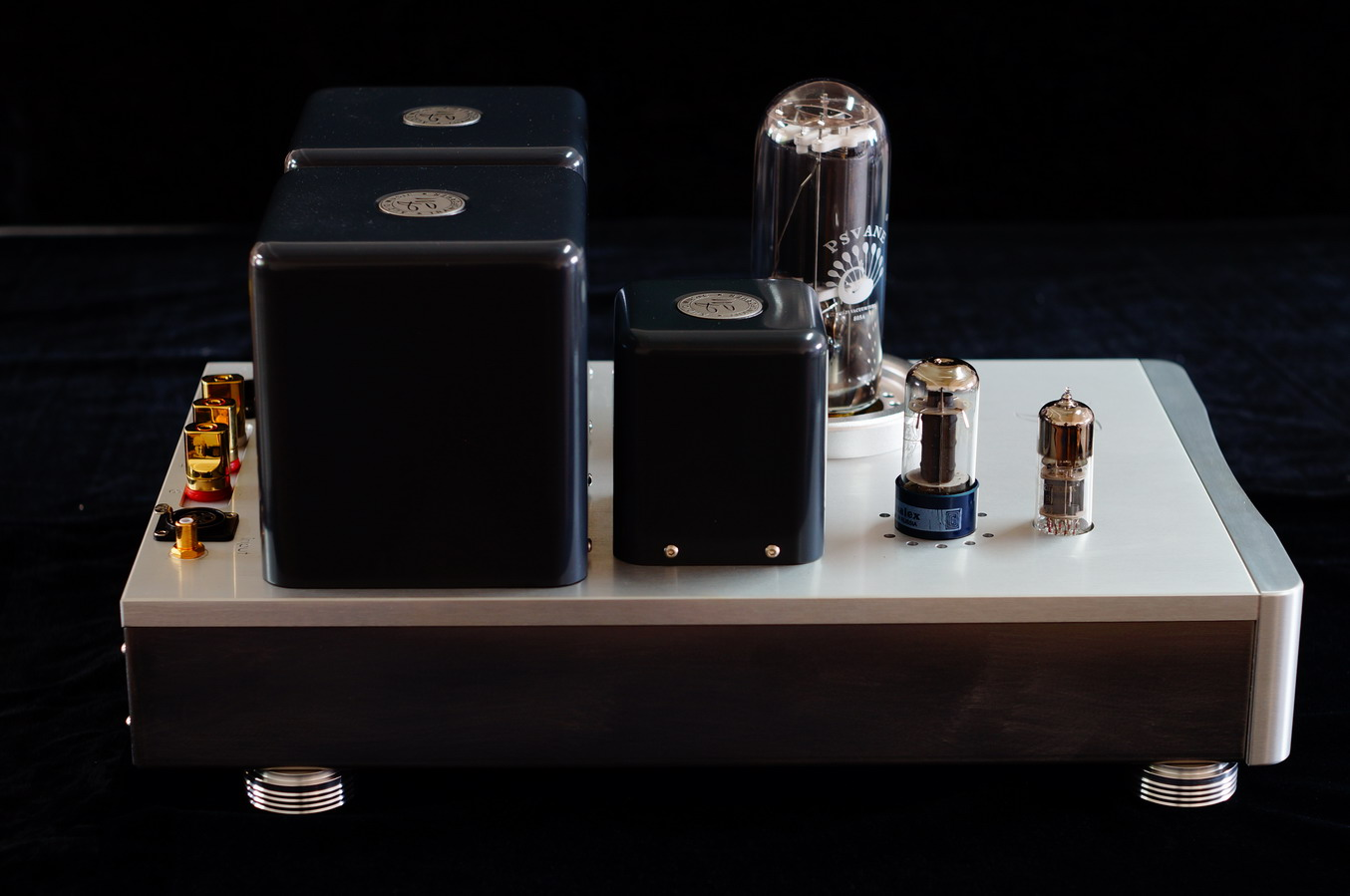 Multiple Stagequotstairsteppingquot Dc Direct Coupled Amplifier