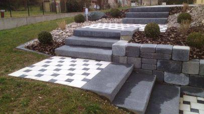 Escalier avec blocs marches et dallage, Epinal