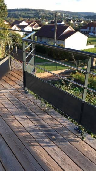 Terrasse bois et garde-corps métal, Epinal