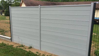 Pare-vue intégré à une clôture, Epinal