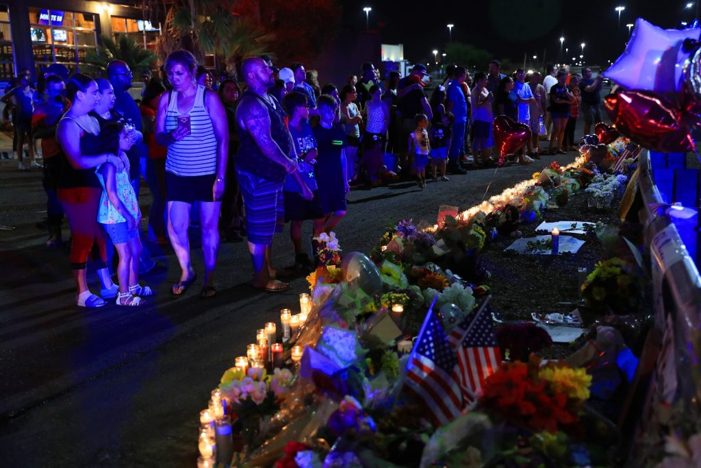 24小時內連爆槍擊 紐時:美陷白人種族恐攻麻煩 – KMRB AM1430 粵語廣播電臺