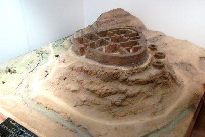 """""""مجسم لقبر الملكة تين هينان في متحف باردو بالجزائر"""""""