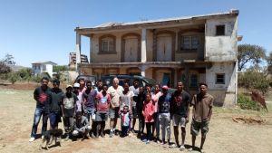 Au centre Mirana tsiky d'Antsirabe. ©Jean-Loup Duynslaeger