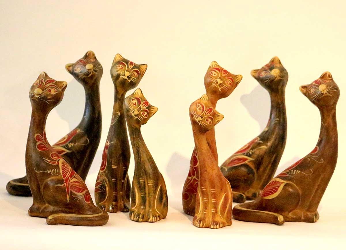 Statues dcoratives de chats en terre cuite dcores  la main