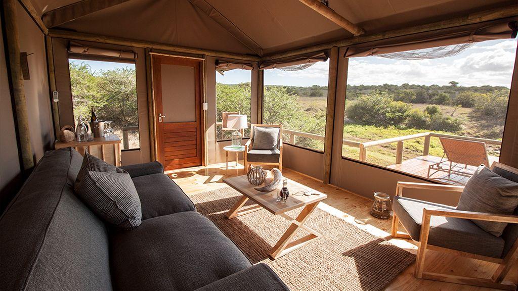 Hlosi Game Lodge Lounge Area