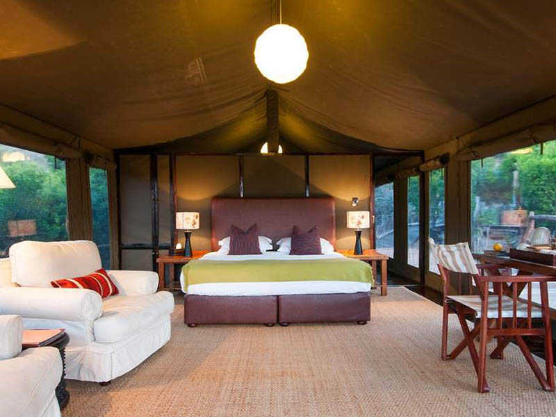 Hillsnek Safari   Accommodation   Safari Tent Interior