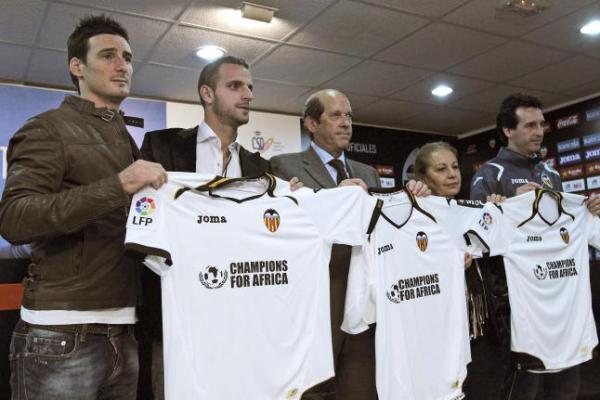 """Calcio, Spagna: Valencia con sponsor """"Champions for Africa"""""""