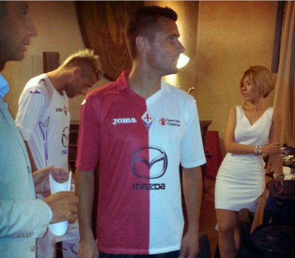 fiorentina-joma-terza-maglia-biancorossa-2012-13