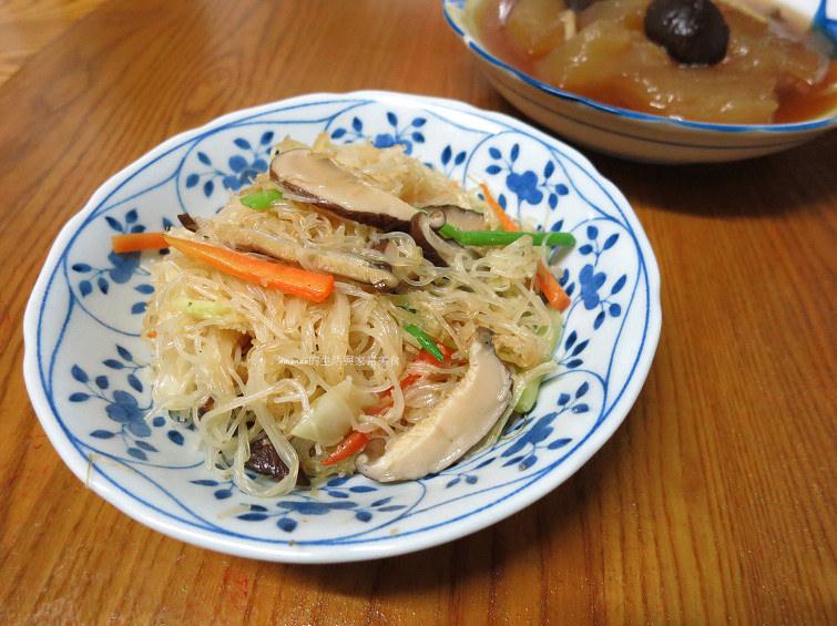 素炒米粉-香菇炒米粉