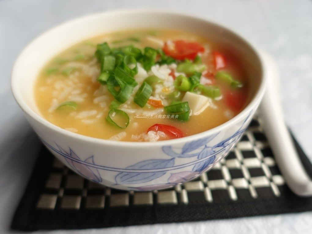 剩飯煮粥也有黏稠口感-健康蔬菜粥