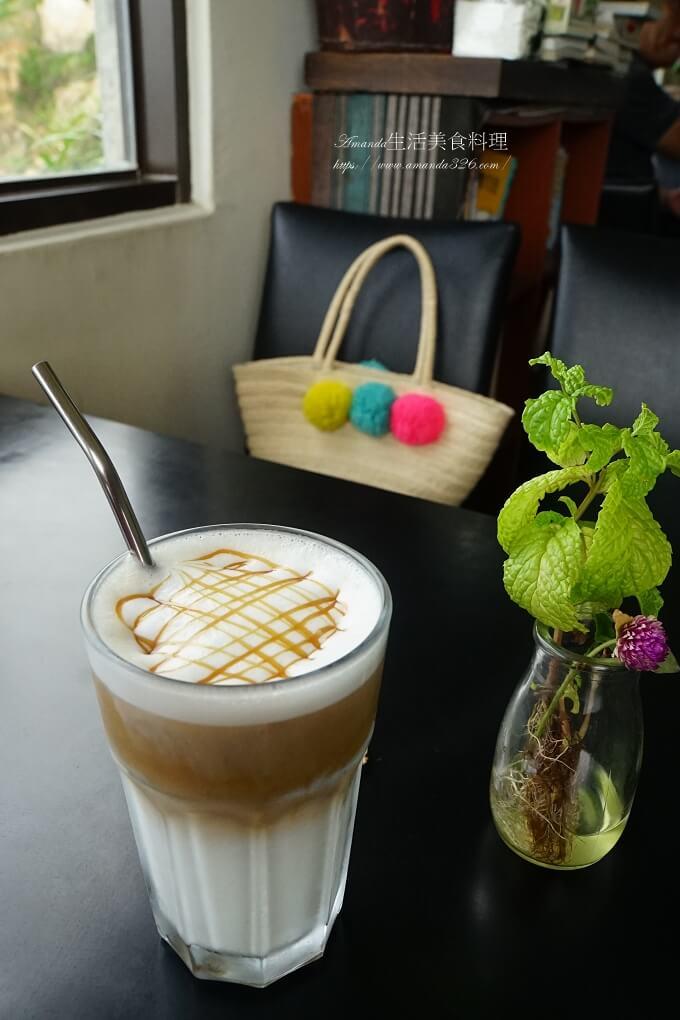 12據點,IG打卡點,刺鳥咖啡,刺鳥咖啡民宿,南竿咖啡書店,南竿坑道咖啡,咖啡書店,坑道咖啡書店,食尚玩家,馬祖