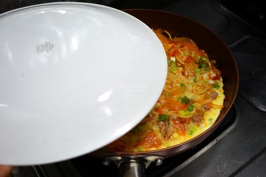 乾麵,泡菜,泡菜炒麵,炒麵,煎蛋,煎麵