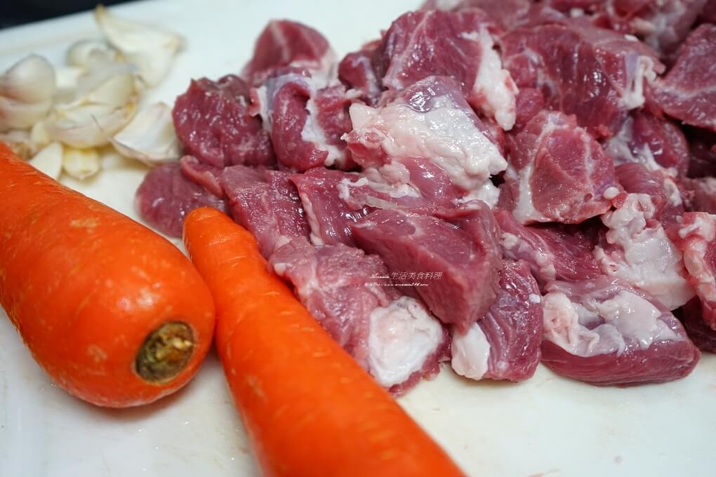 低壓鍋,備用菜,悶煮鍋,洋蔥,燒肉