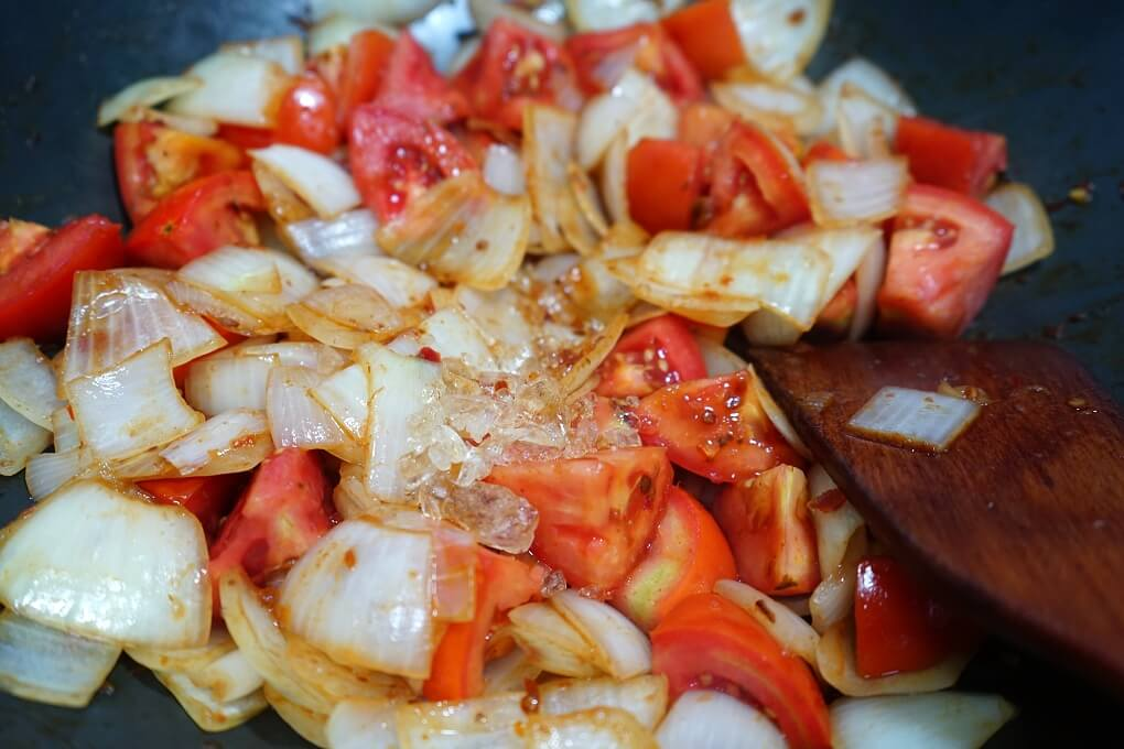 炒酸菜,牛肉麵,番茄牛肉,紅燒牛肉,紅燒牛肋條