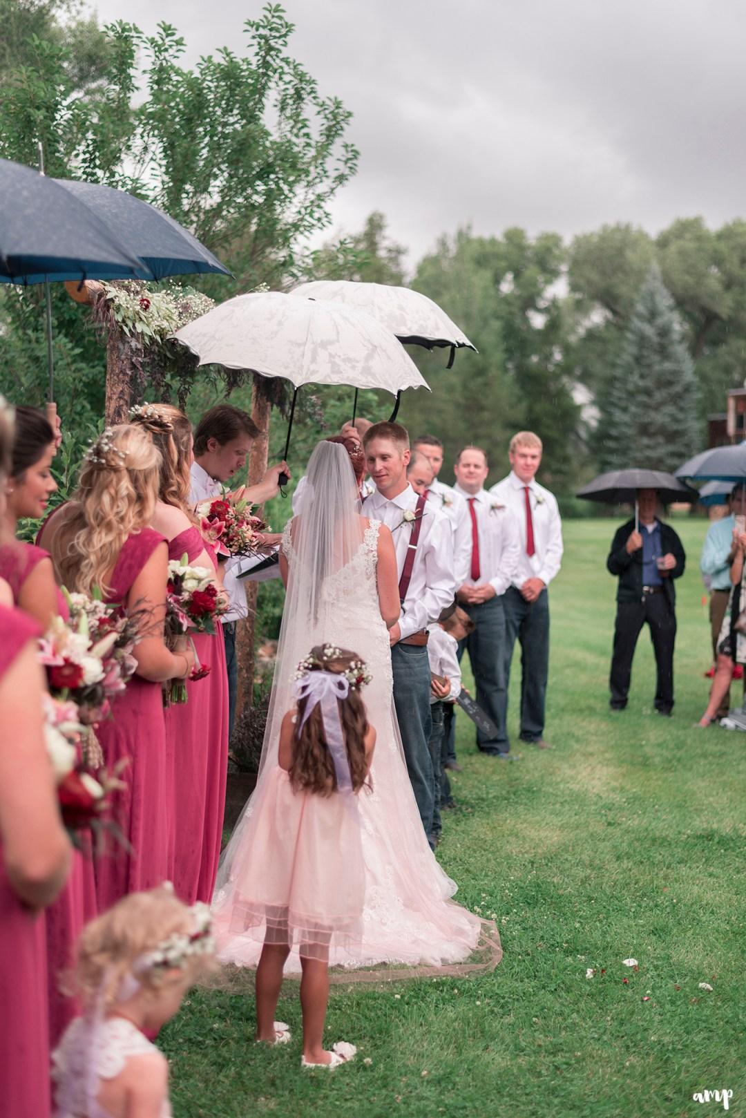 Rainy Gunnison Wedding along Ohio Creek   amanda.matilda.photography