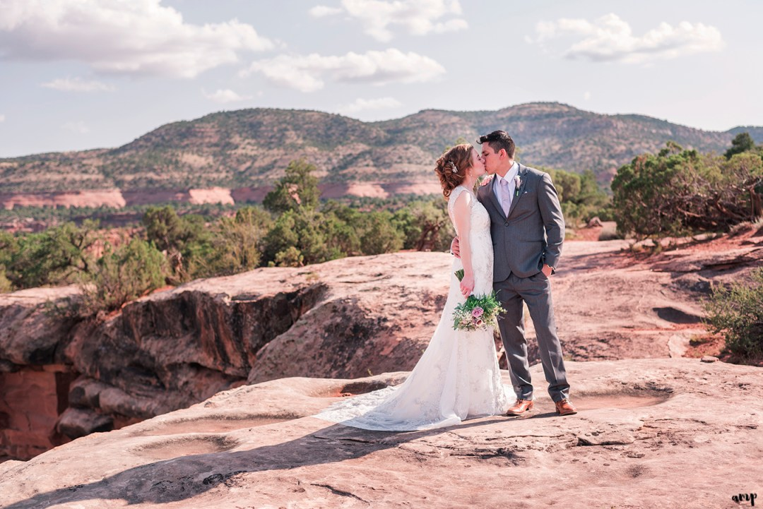 Bride and groom couples portraits on the Colorado National Monument