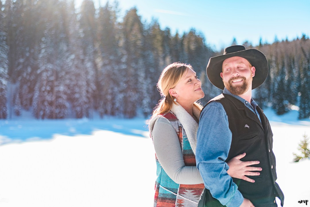 Emily & Victor | Snowy Engagement on the Grand Mesa | amanda.matilda.photography