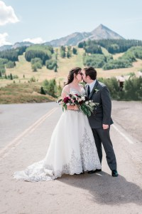 Alyse & Nate's Crested Butte Wedding at Ten Peaks Umbrella Bar | amanda.matilda.photography
