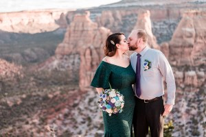 Craig & Jessica's Elopement on the Colorado National Monument | Amanda Matilda Photography