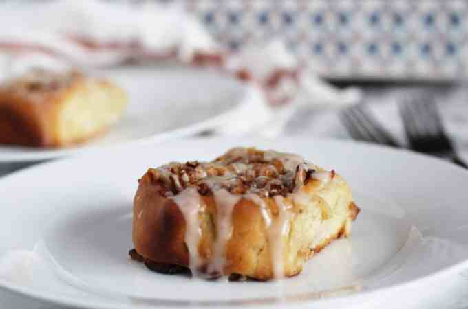 Homemade Apple Cinnamon Rolls