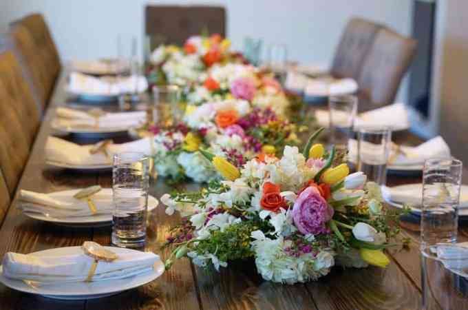 7 Tips For Hosting a Dinner Party