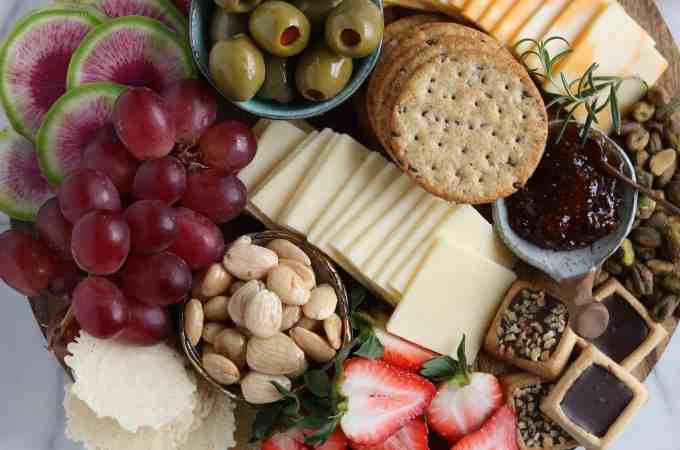 How To Build a Cheeseboard with Cabot