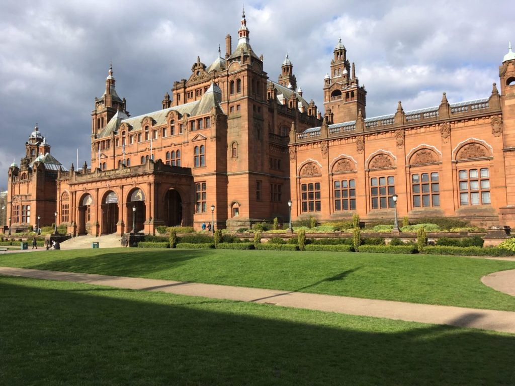 Kelvingrove Art Gallery and Museum bathed in sunlight on a day trip from Edinburgh