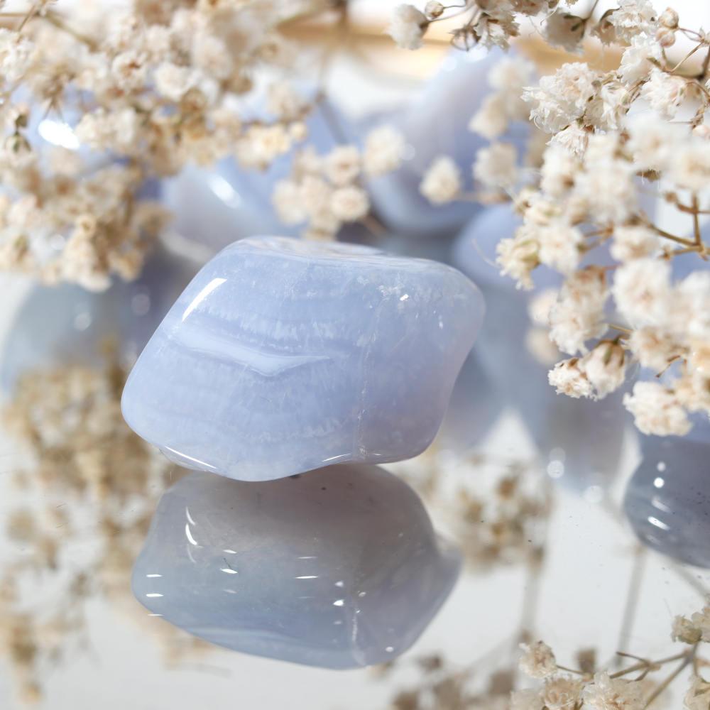Calcédoine bleue roulée