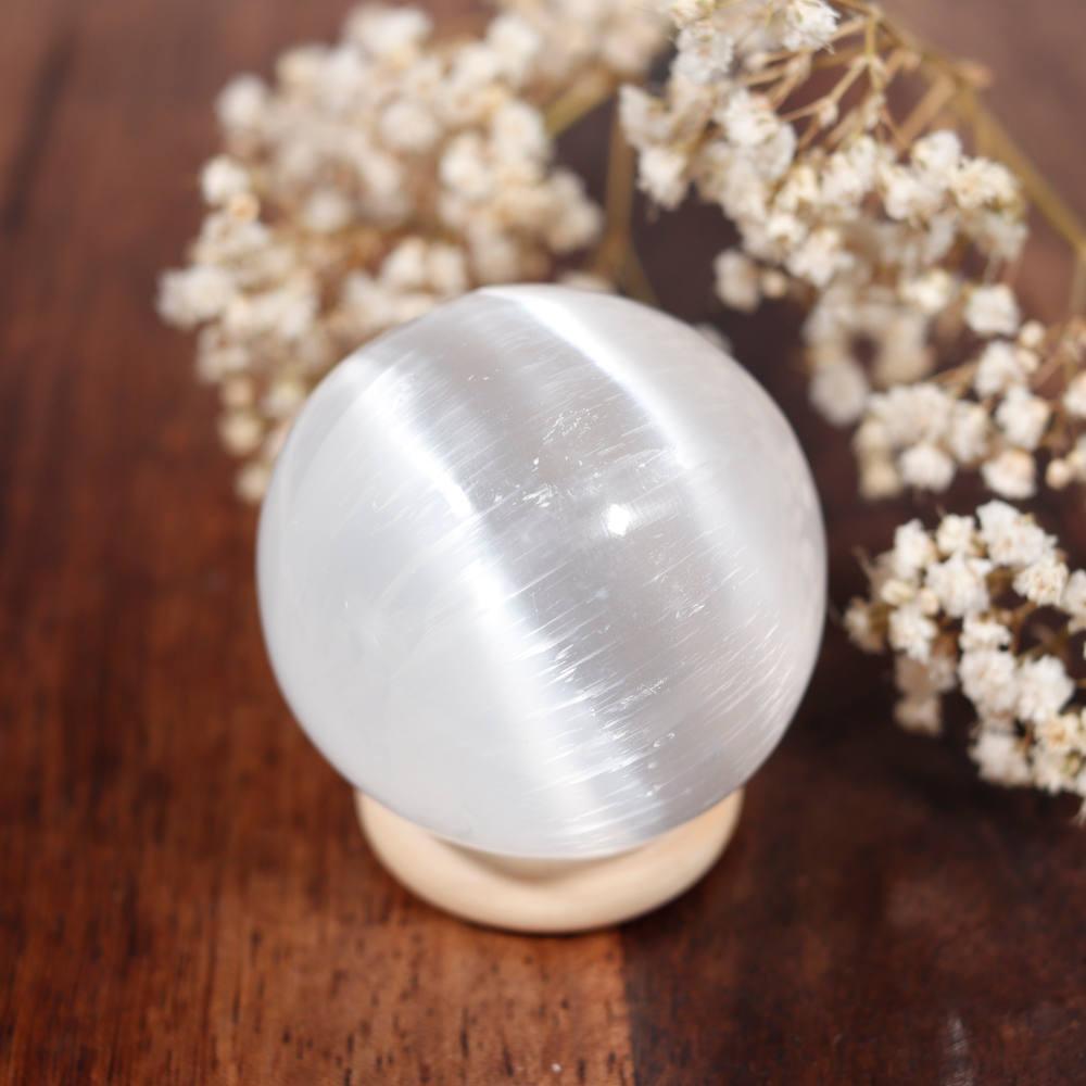 Sélection de sphère en sélénite, modèle 1