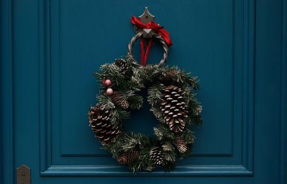 La ghirlanda di natale nella tradizione natalizia