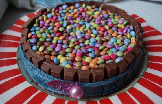 Torta di Carnevale al cioccolato Nutella Kit Kat e Smarties