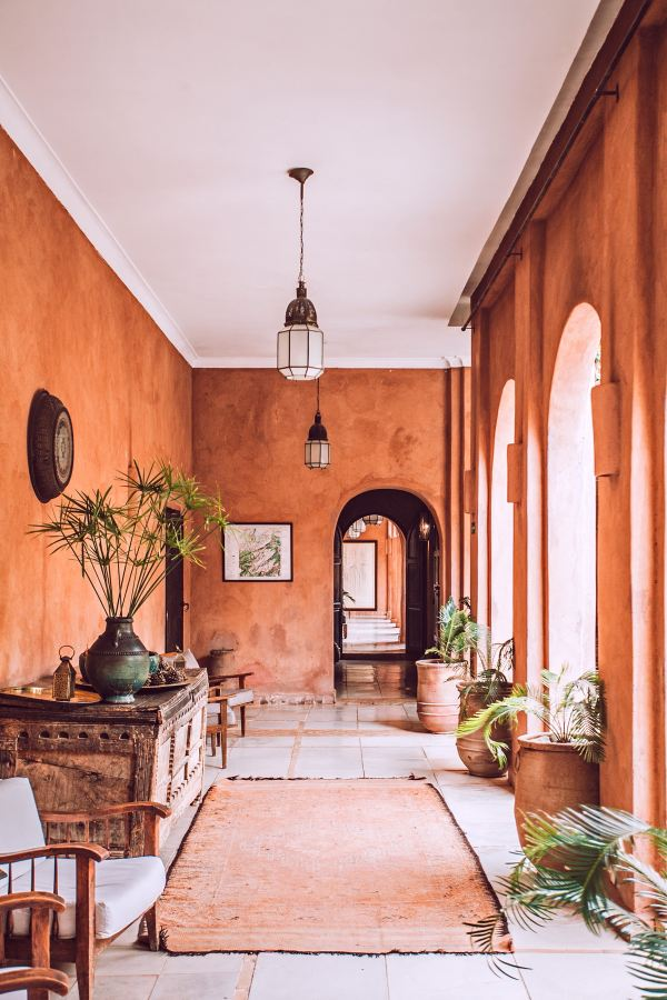 Spanish Style Homes Embrace Iberian Interior Design