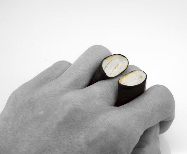 Anillo escultura de Acero Joyería Barcelona. Joyas contemporánea . Contemporary jewelry