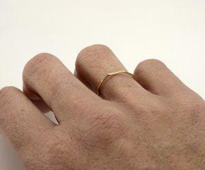 Alianzas nada o bien menos 1 oro 750/00 anna kaufmann contemporary jewelry. art in jewelry. 當代珠寶。 珠寶中的藝術。現代的なジュエリー。 ジュエリーのアート。 Jewelry design Joyería Barcelona Diseño Barcelona Arte Barcelona