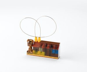 Broche de casa de lego. graffiti. Grego García. Gogo. Gogoisme. Joyería de diseño. Joyería Barcelona . Arte Barcelona. contemporary jewelry. art in jewelry. Kunstschmuck.